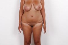 Grandes-tetas-y-caderas-en-desnudos-frontales-10